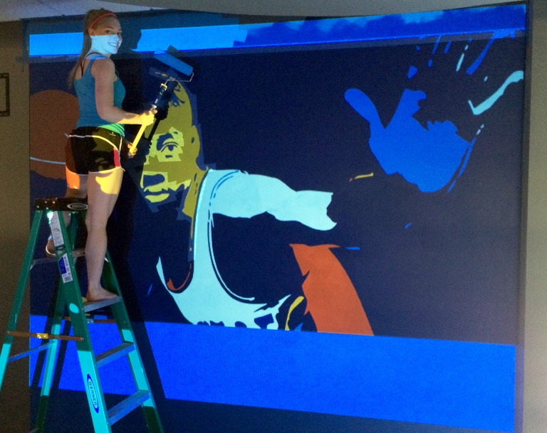 Holly mural painter